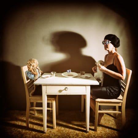 Katja Gehrung Art Photography Abendessen in einem bayerischen Künstlerhaushalt im Herbst 2020