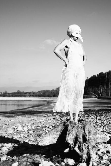 Komm schwarzer Vogel Katja Gehrung Geord Danzer Art Photography